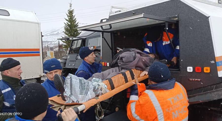 В ВКО спасатели эвакуировали женщину из дачного массива